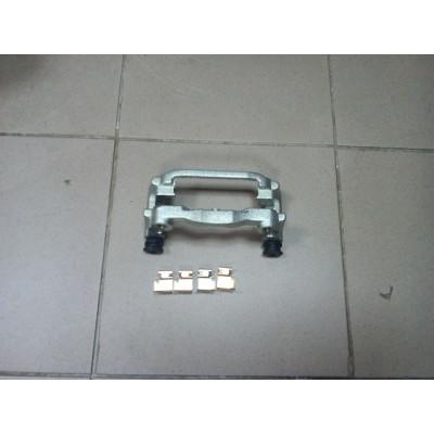 Скоба тормозного суппорта задняя R  2.2/2.4TDCI 2006-